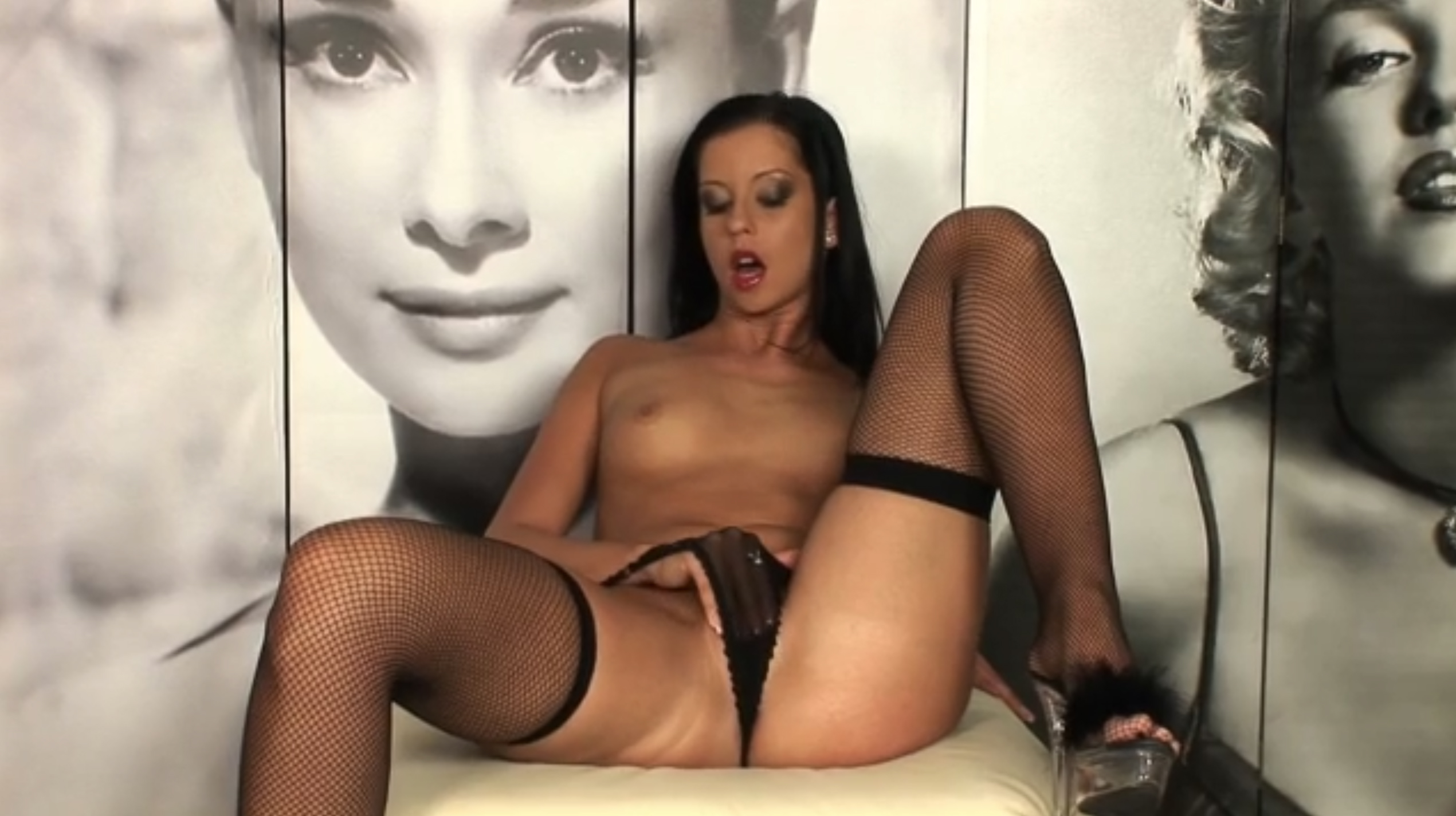 Hot chick enjoys in pussy dildoing and fingering