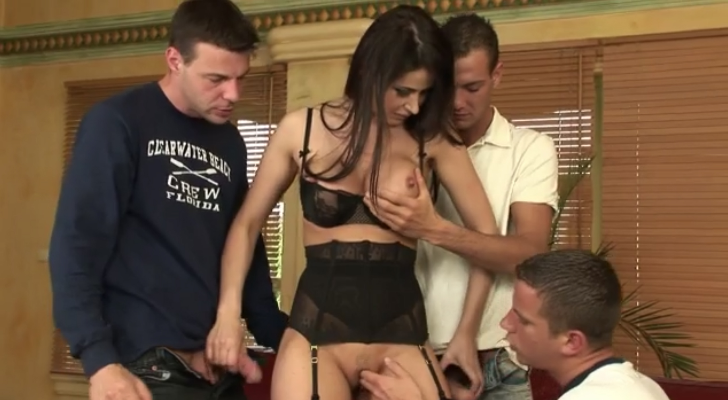 Horny babe got fucked in hot gang bang